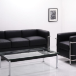 デザイナーズ家具の代名詞であるル・コルビジェ。応接室や社長室にマッチするコルビジェLC2ソファ