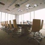 デザイナー家具のデザイナーであるハーマンミラーのアーロンチェアを筆頭に。オフィスの椅子と生産性の関係。