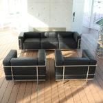 海外からの顧客にも対応できる大きめサイズのソファ